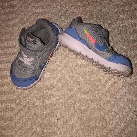 325 Toddler Girl Nike Tennis Shoes In